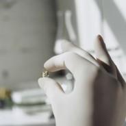 "QRP Qualatrile™ SQWB09 SENS!® ESD-Safe 9"" Nitrile Gloves 3mil ""Nude Glove"" Powder-Free Color: White Size: Medium 100/Bag 10Bags/Case (VSP)"